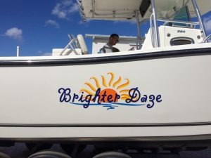 custom boat lettering Hutchinson Island